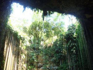 cenote-ik-kil-cancun-to-merida
