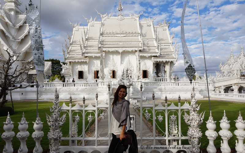crossing-border-thailand-laos