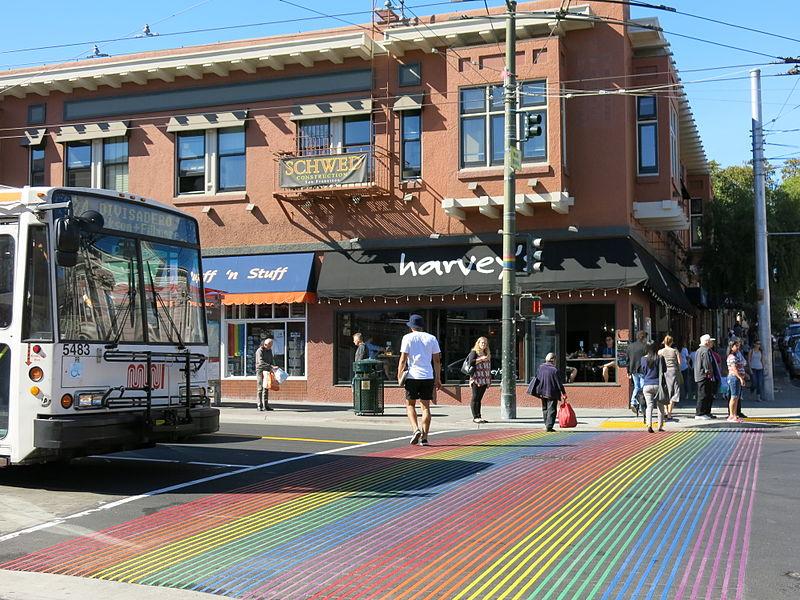 http://allomamantoutvabien.com/wp-content/uploads/2017/10/San-Francisco-Attractions-immanquable-castro-district.jpg